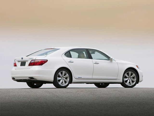 The Highly Striking And Elegant Car Of 2009 Lexus LS 600h